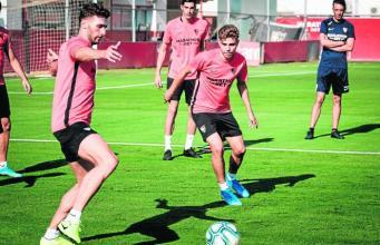 La versatilidad de Pozo le compite el puesto a Corchia || Imagen: Estadio Deportivo