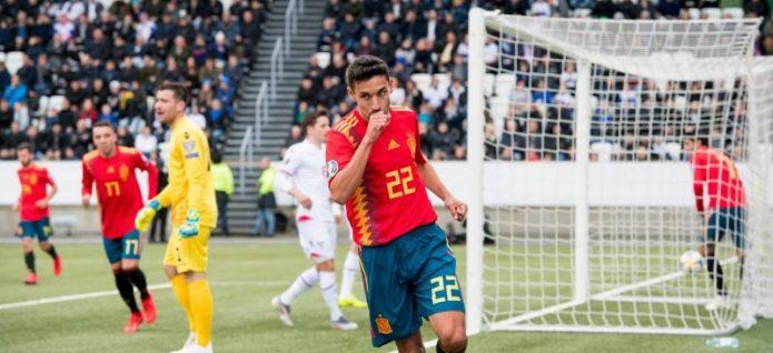 Jesús Navas: «Levantar la Europa League como capitán es algo de lo que estoy muy orgulloso»