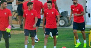Alejandro Pozo y Jesús Navas, juntos en un entrenamiento   Imagen: Sevilla FC