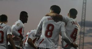 Juanpe, celebrando junto a sus compañeros del Sevilla Atlético el tanto conseguido ante el Cartagena | Imagen: Carmen Pera - La Colina de Nervión