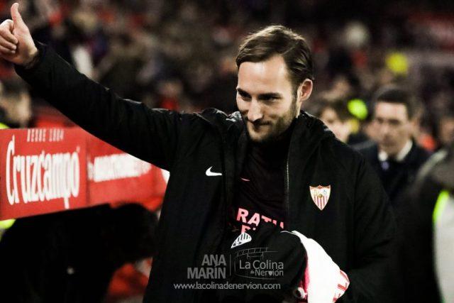 Gudelj, antes del partido entre el Sevilla FC y el Levante, en la Copa del Rey  Imagen: Ana Marín - La Colina de Nervión