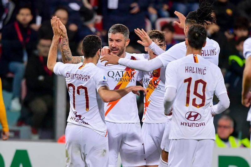 La Roma, próximo rival del Sevilla, celebra un gol