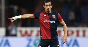 el posible fichaje del Sevilla, Koray Günter disputando un partido con el Genoa