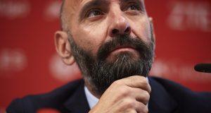 Monchi, en la rueda de prensa de uno de los fichajes del Sevilla FC