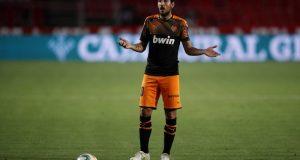 Dani Parejo, uno de los posibles fichajes del Sevilla FC, en el Granada-Valencia