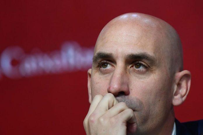 El Sevilla FC, Rubiales, la RFEF y la solicitud de baja de la ACFF