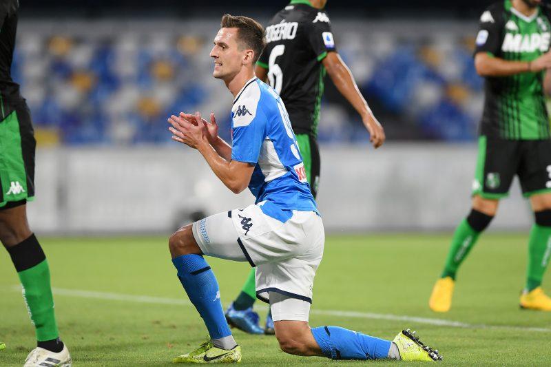 Milik, que podría ser uno de los fichajes del Sevilla FC en el mes de enero, en un partido con el Nápoles