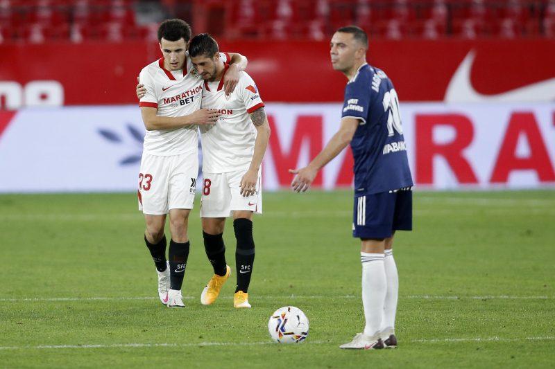 Oussama Idrissi y Segio Escudero, celebrando el gol del partido al Sevilla FC
