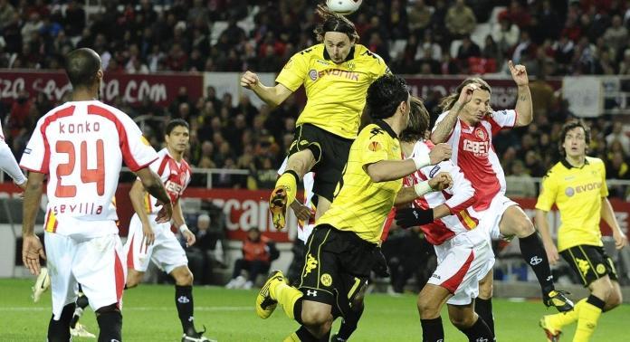 El partido entre Sevilla FC y Borussia Dortmund en la fase de grupo de la Europa League en 2010