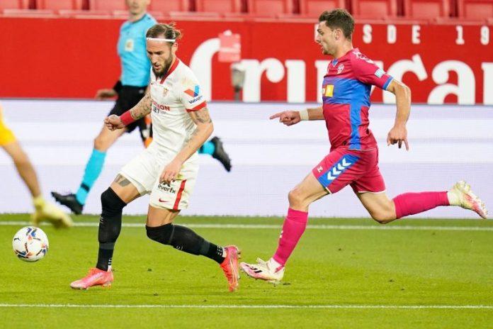El Sevilla FC se impone al Elche CF en un completo partido