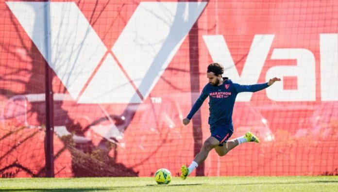 Diego Carlos sigue al margen a dos días de El Gran Derbi