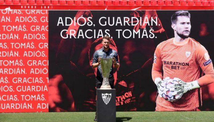 Tomas Vaclík: «Quiero mucho al Sevilla FC»