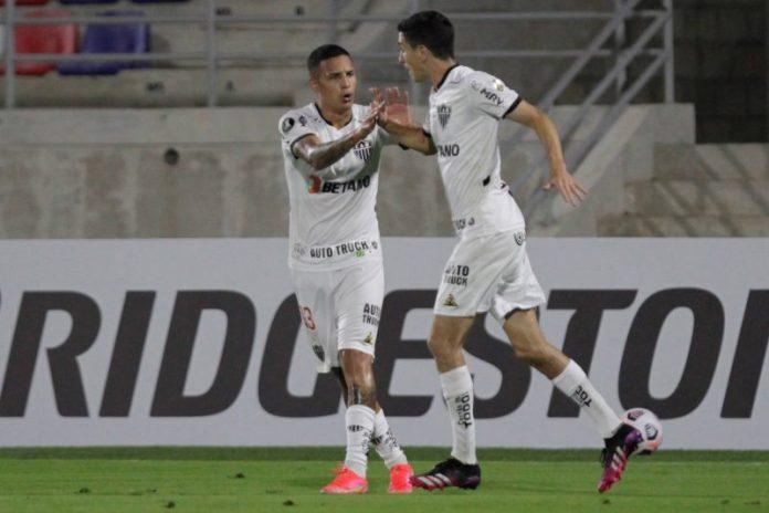 Arana, de vuelta a su país, primer traspaso del Sevilla FC en el mercado
