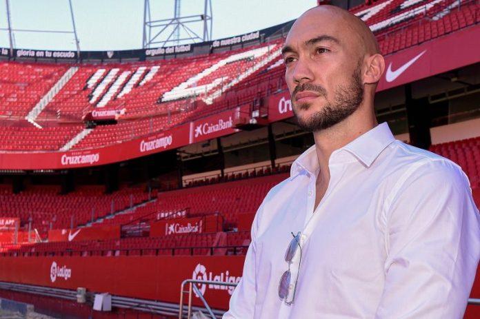 Dmitrovic: «El Sevilla FC es el mejor sitio para seguir creciendo»