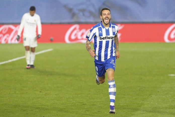 El Sevilla FC lanza una nueva ofensiva por Joselu Mato