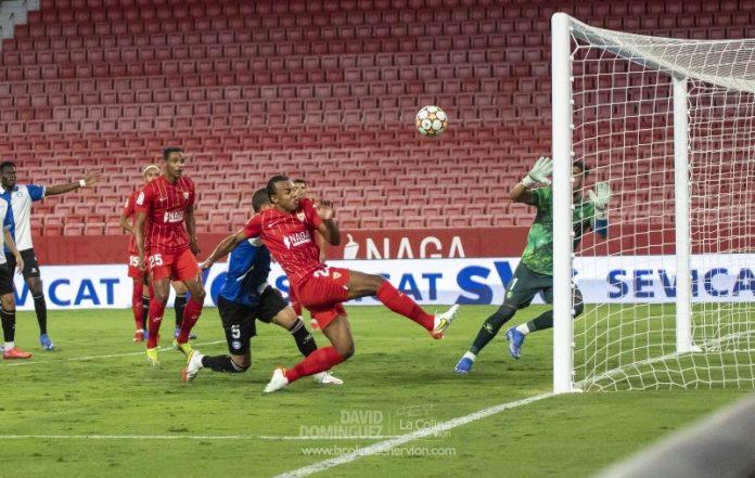 Las mejores fotos del partido entre Sevilla FC y Deportivo Alavés