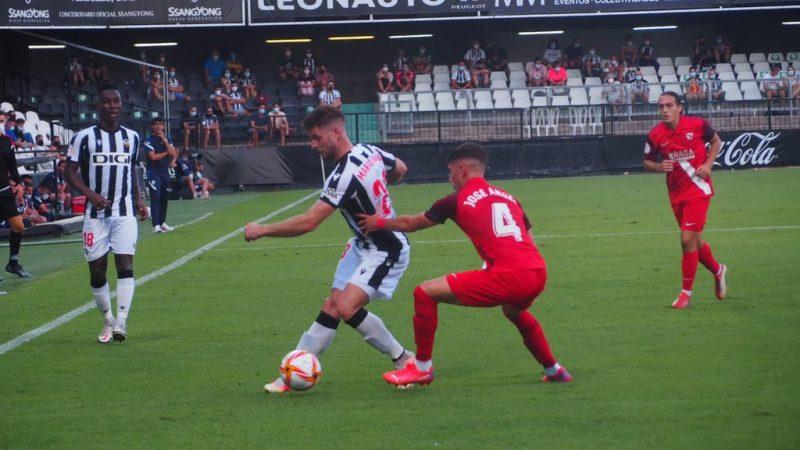 Partido entre el CD Castellón y el filial del Sevilla FC en esta Segunda División B.
