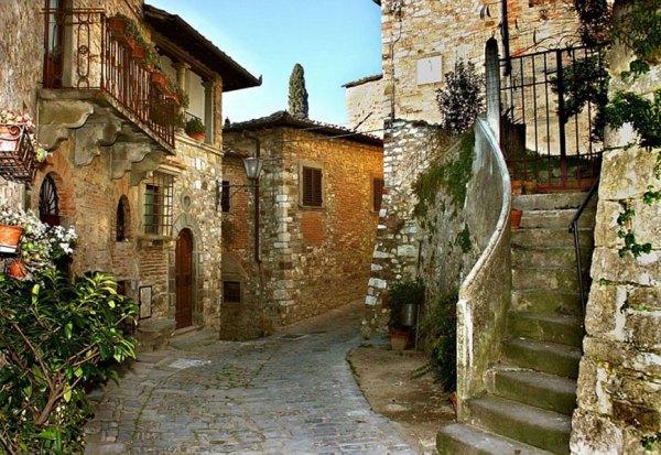 Montefioralle-Castle