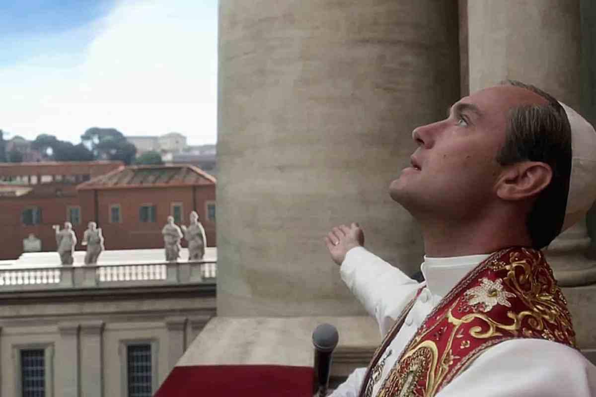 The New Pope suma a Sharon Stone y a un famoso cantante
