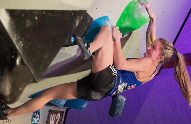 Shauna Coxsey wins the Boulderworldcup in Meiringen - Image SAC davidschweizer