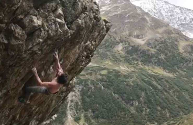 Dave Graham visiting Switzerland: Pressed bunny 8b +