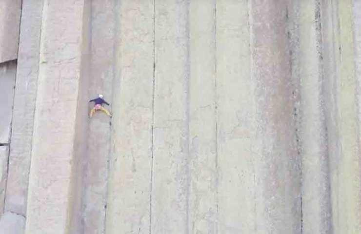 Jorg Verhoeven und Katharina Saurwein klettern den Devils Tower