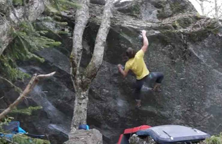 Video about the celebration of Pied de Biche by Nils Favre