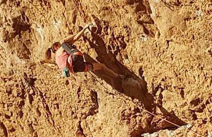 Anak Verhoeven klettert mit Ciudad de dios in Santa Linya wieder eine 9er-Route