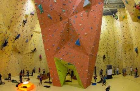 Die Kletterhalle St. Gallen erlaubt bald nur noch halbautomatische Sicherungsgeräte - Bild infocard.ch