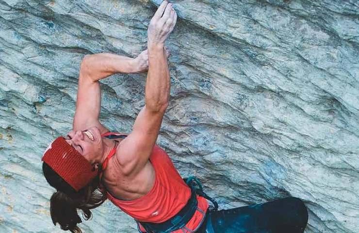 Barbara Zangerl klettert Speed intégrale (9a) am Voralpsee