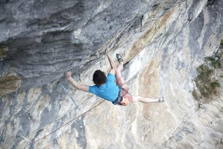 Adam Ondra in der Route Renardo Rules Extension bei Gimmelwald - Schweiz