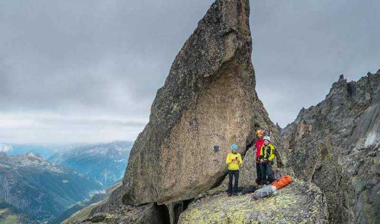 Der gekonnte Einsatz von Keilen und Friends hilft Risiken und Nebenwirkungen des alpinen Kletterns überschaubar zu halten