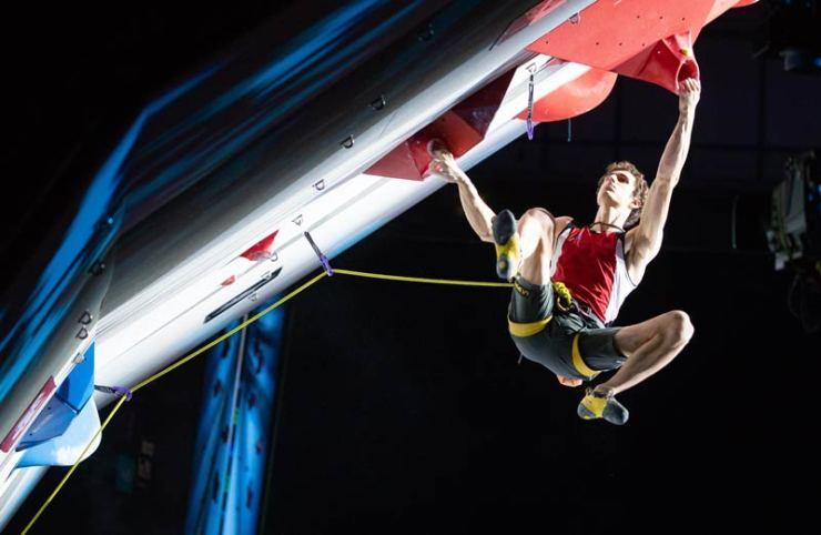 Die Disziplin Lead/Vorstiegsklettern im kombinierten Format - Olympic Combined (Bild Expa Pictures).