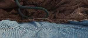 Ternua produziert Kleidung aus alten Fischernetzen und färbt sie mit Walnüssen