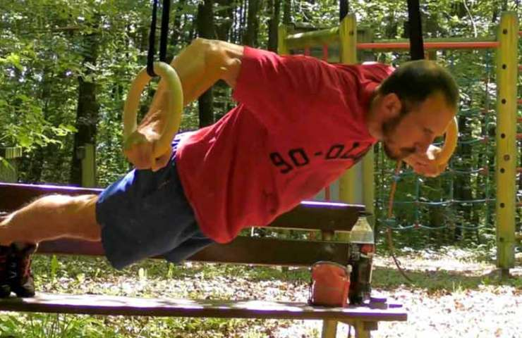 The butterfly on the rings - ideal balancing training for climbers