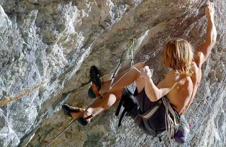 Weltrekord: Illya Bakhmet-Smolensky klettert Chromosome X (9a) bei Charmey im Alter von 13 Jahren