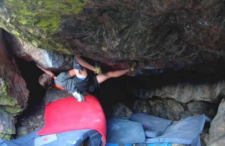 Shawn Raboutou veröffentlicht Video seiner Begehung des 8c+ Boulders Creature from the Black Lagoon