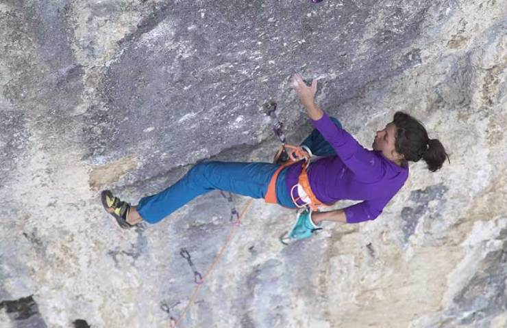 No Country for Old Bolts - A climbing film starring Cédric Lachat and Nina Caprez about Rocher Crespin