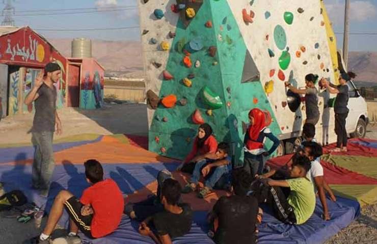 Mobile Kletterwand für Flüchtlinge im Libanon