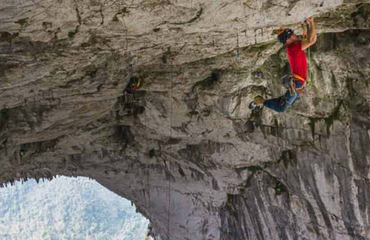 Edu Marin klettert die längste überhängende Dachroute der Welt: Valhalla (9a+, 380m)