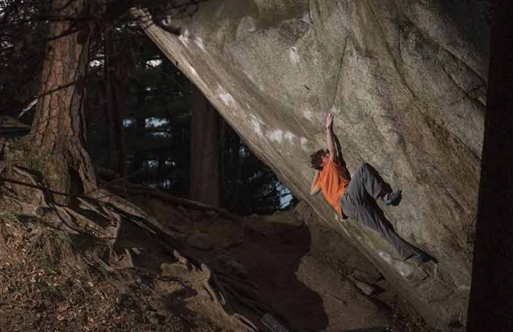 Giuliano Cameroni-opened-with-REM-yet-again-a-8c + -Boulder-in-the-Switzerland