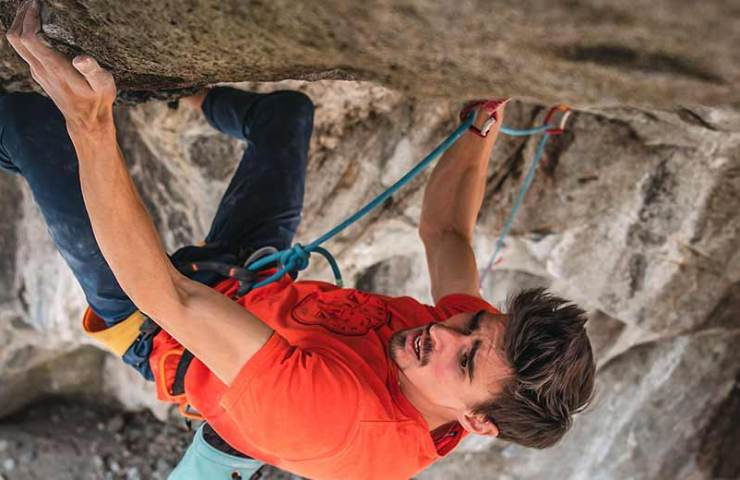 Marco Zanone klettert die Dave Graham Kletterroute Coup de Grâce