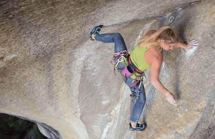 The climbing trousers Forged Denim by Black Diamond feel like leggings