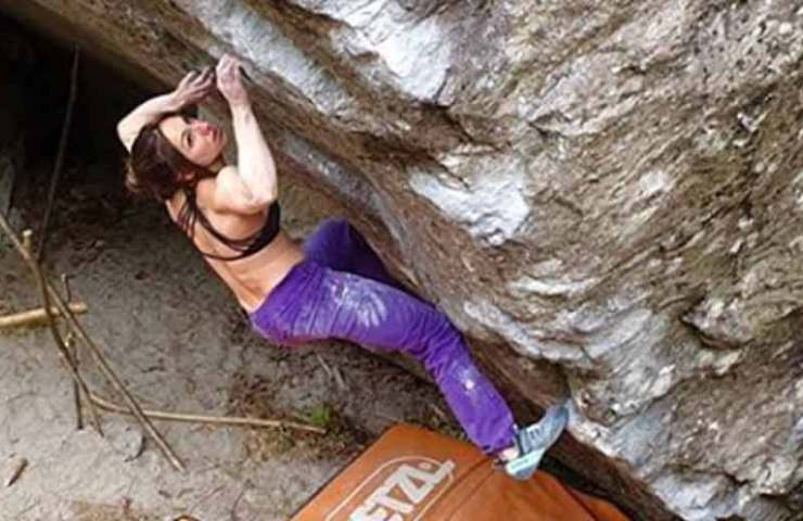 Hard Tessiner Boulder: Daniel Woods with Off the Wagon - Alex Puccio with Heritage