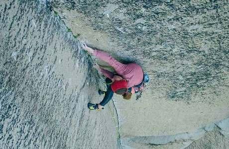 Babsi Zangerl klettert die Pre-Muir Wall im Yosemite Valley