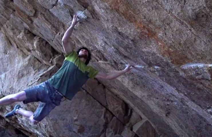 Jimmy Webb fights against gravity in the Boulder Defying Gravity (8c)