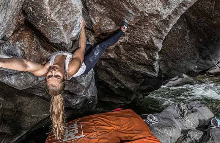 Natalie Bärtschi: These are the three best clothes for bouldering