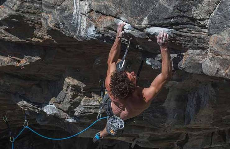Alexander Rohr successful in Flatanger: The Illusionist (9a)