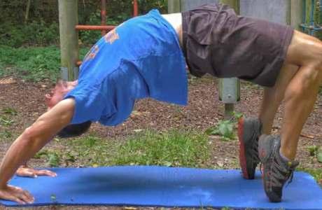 Beweglichkeit beim Klettern: Mit diesen Übungen beugst du Verletzungen vor