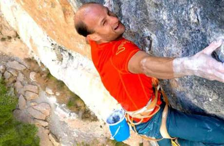 Cédric Lachat gelingt die Begehung der wohl berühmtesten 9a+ der Welt: La Rambla in Siurana